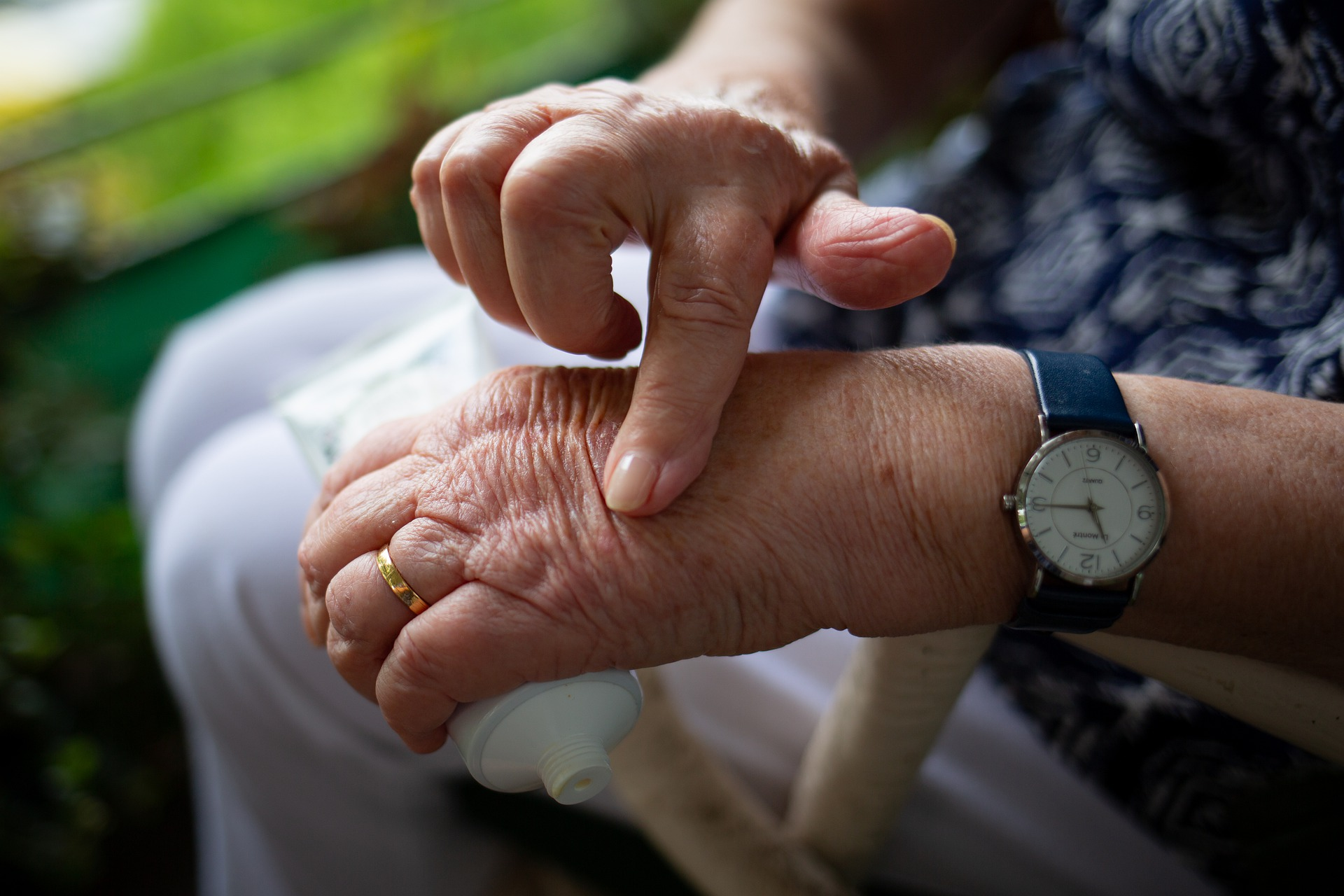 How to Treat Arthritis at Home
